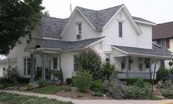 Village Gardens Bed & Breakfast - Shipshewana